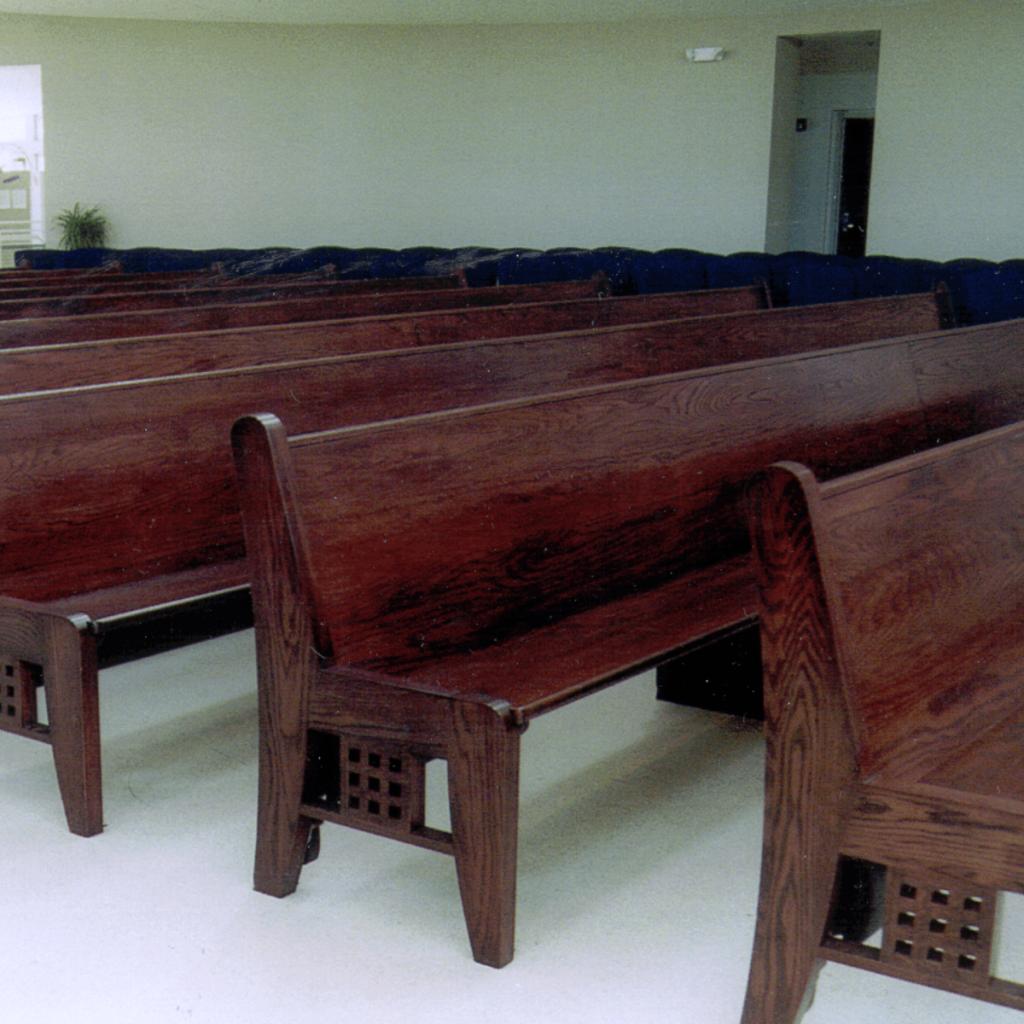 Church Pews Custom Pew Body Styles Kivett S Fine Church Furniture